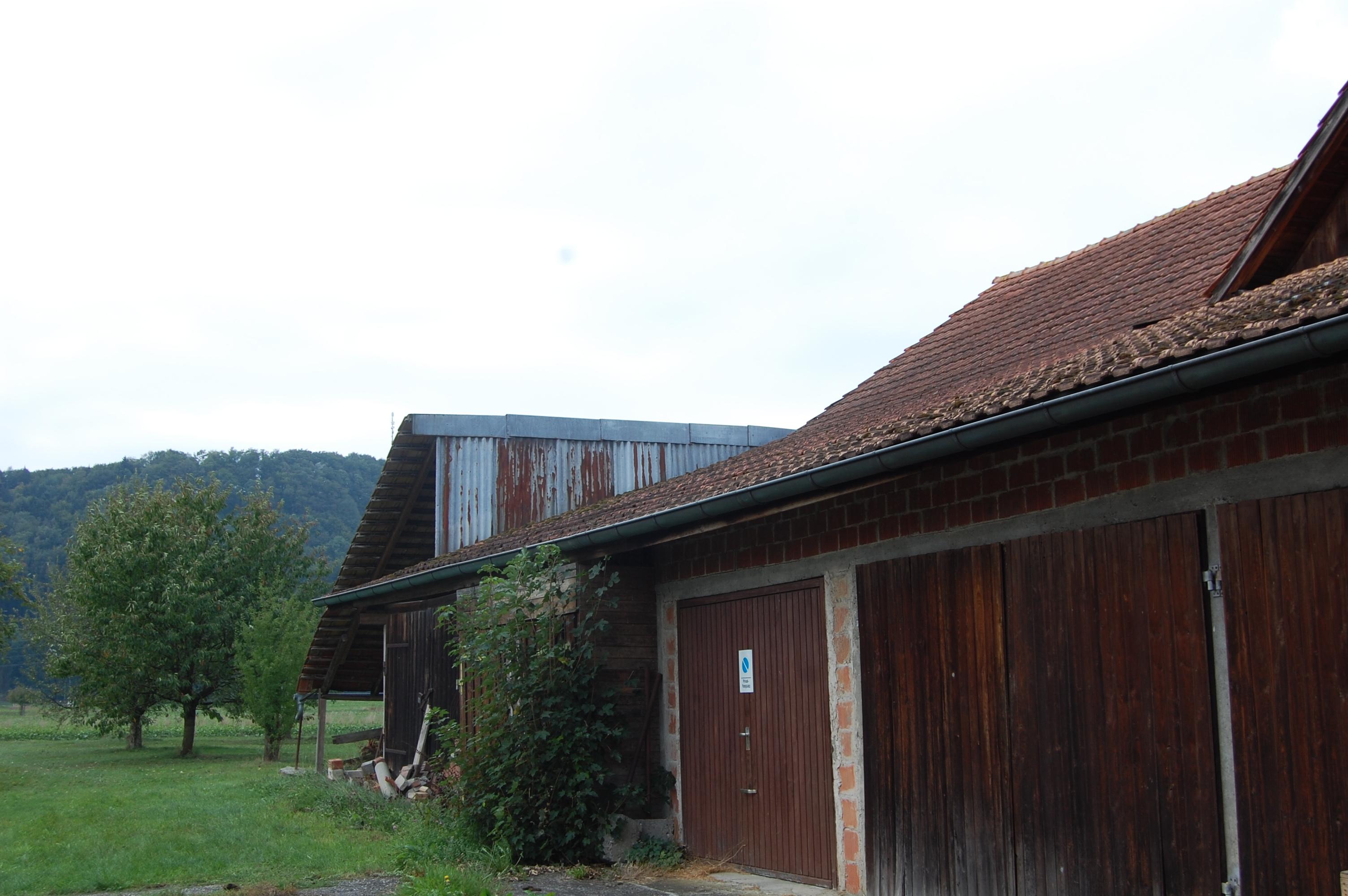 Das bestehende Gebäude steht in der Dorfzone.